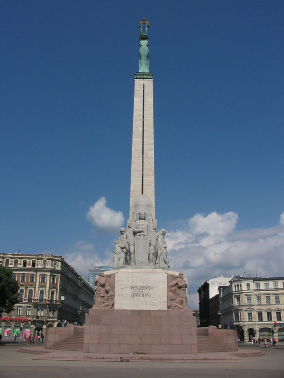 The_Freedom_Monument_in_Riga,_Latvia.jpg
