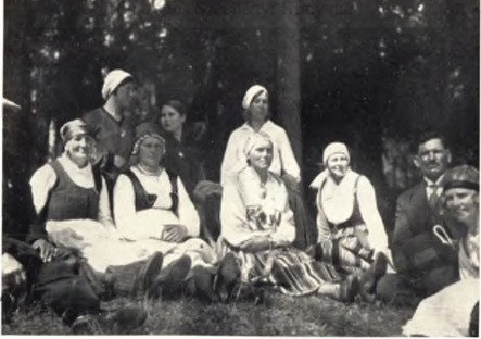 Livonians in 1931 Finno-ugric congress Helsinki.png